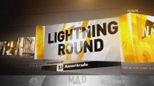 Cramer's lightning round: Shopify's doing well, but you s...