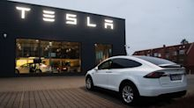 Tesla Target at $1,200 in Morgan Bull Case; Shares Jump Again