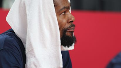Durant has to put Team USA on his back