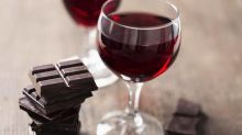 Chemical found in red wine and dark chocolate rejuvenates cells, study finds