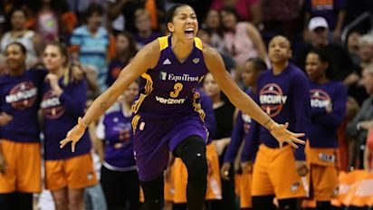 Parker's layup helps Sparks complete sweep of Mercury
