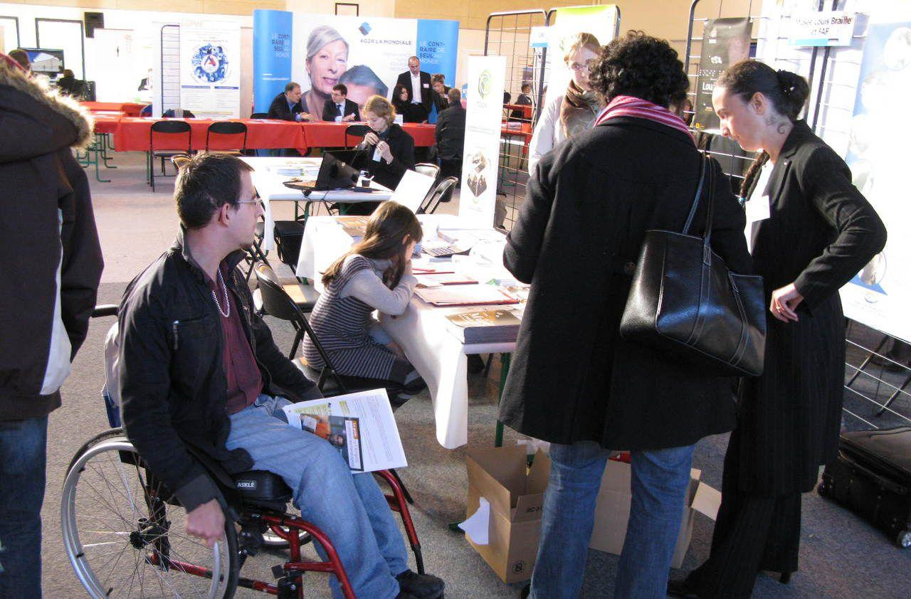 val d oise 250 postes pourvoir pour les personnes handicap es. Black Bedroom Furniture Sets. Home Design Ideas