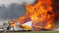 Ohio air show resumes after stuntwoman, pilot die