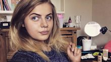 Bloguera de 19 años se enteró que estaba embarazada 4 horas antes de dar a luz