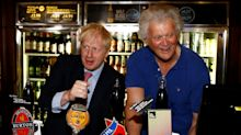 Wetherspoon knocks 20p off pint in no-deal Brexit stunt
