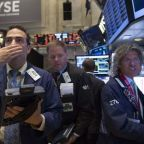 Stocks - Dow Down, but Claws Back Bulk of 548-Point Slump