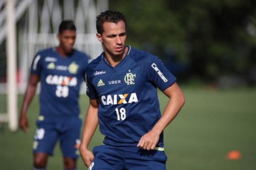 Athirson sobre Damião: 'Bom ter no elenco, é experiente e vai render'