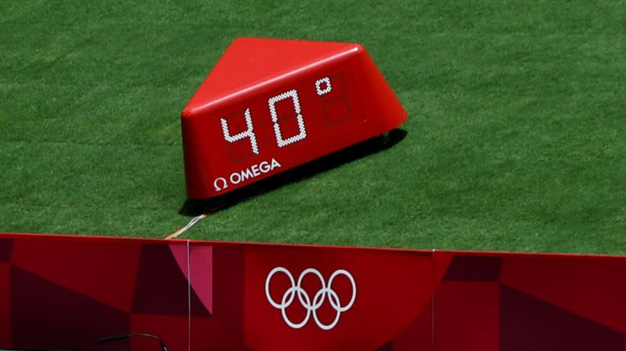 Olympics-Athletics-Tokyo dishes out punishing heat for dayside competitors