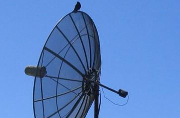 Poll: With over 100 HD channels, are you switching to satellite?