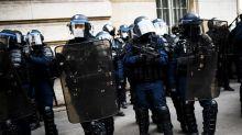 """Le Parlement adopte définitivement la proposition de loi controversée sur la """"sécurité globale"""""""