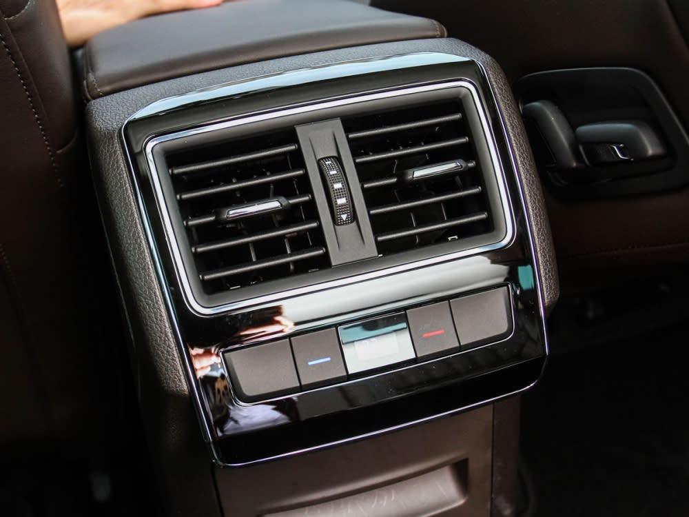 三區的恆溫空調強化後座的冷房效果。