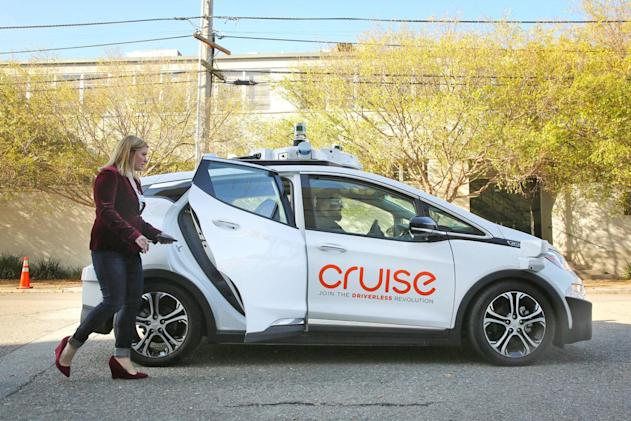 GM's self-driving ambitions don't include 'small-scale pilots'