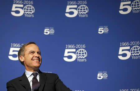 Bank of England Governor Mark Carney smiles as he speaks at Queen Mary University in London, Britain January 19, 2016. REUTERS/Frank Augstein/pool
