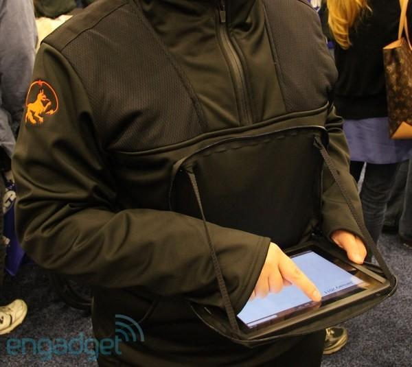 Alphyn Industry jackets play iPad close to the chest, stick smartphones on your wrist