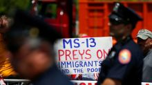 Trump threatens aid cut to countries that do not stop MS-13 gang migrants