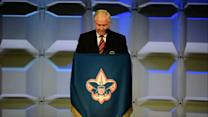 Gates: Boy Scouts Must End Ban on Adult Gays