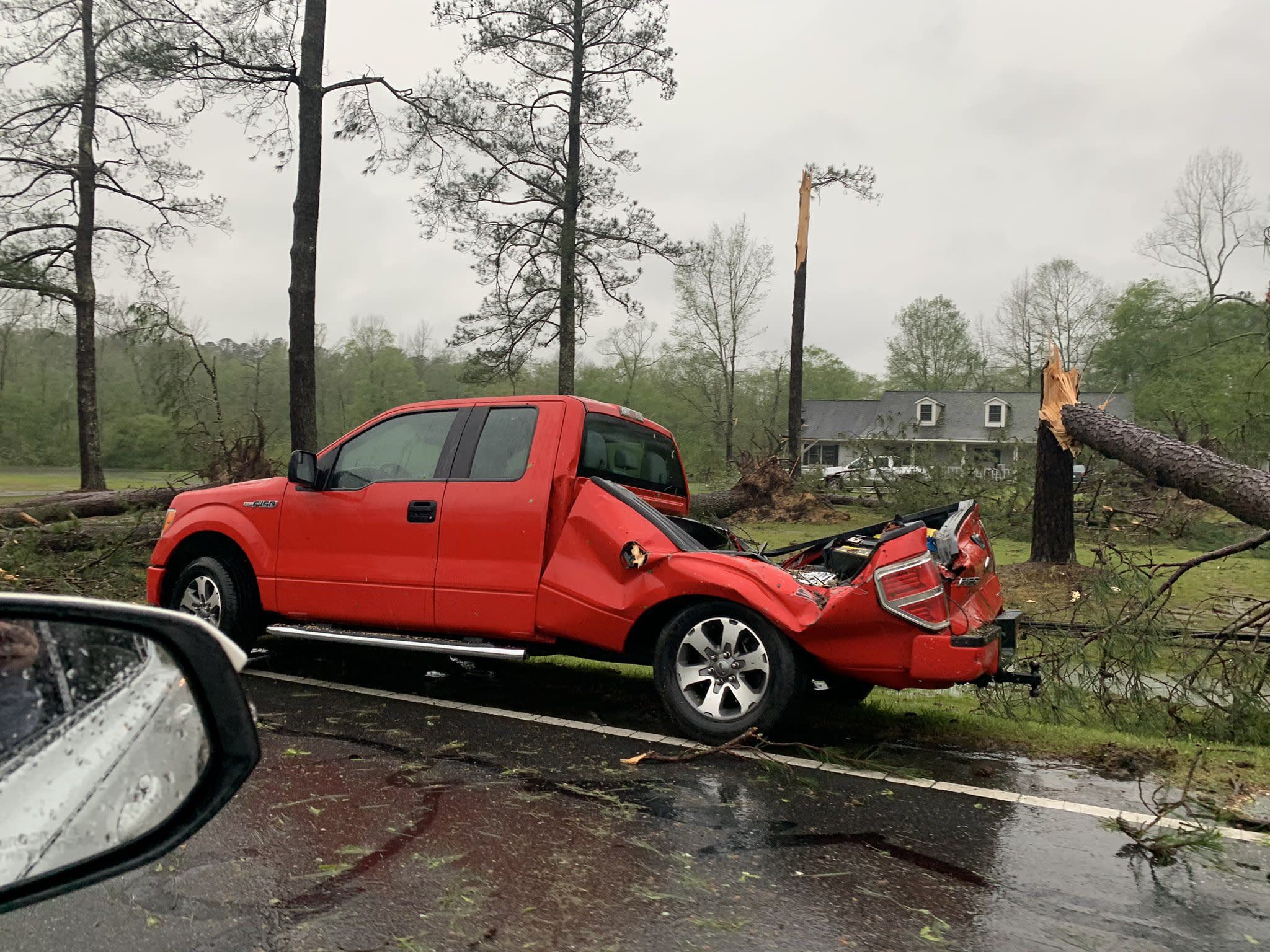 Storms hit South in prelude to tornado threat