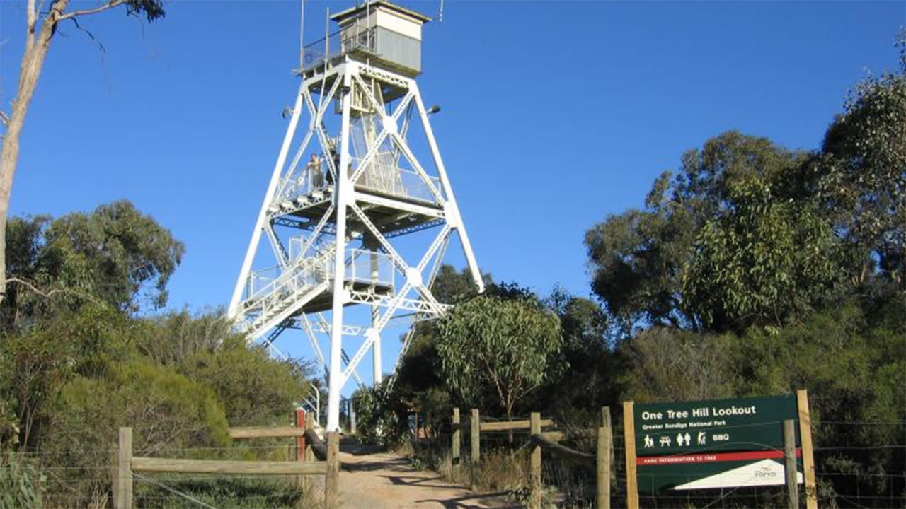 Man dies after stabbing at well-known lookout spot