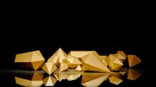 Gold Price Prediction – Prices Rally as the Dollar Slides following Trump Trade Annoucement