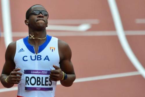 El atleta cubano Dayron Robles, en las series de los 110 metros valla el martes.