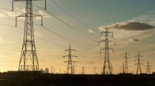 Power suppliers SSE, Npower hook up in UK