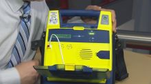 Summerside Police Department gets 1st defibrillator