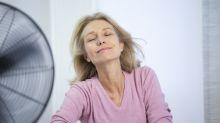 Cómo aliviar los síntomas de la menopausia (y los calorones que anuncian su llegada)