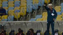 Após título do Flamengo, Jesus comemora de forma tímida e recebe carinho de Gabigol