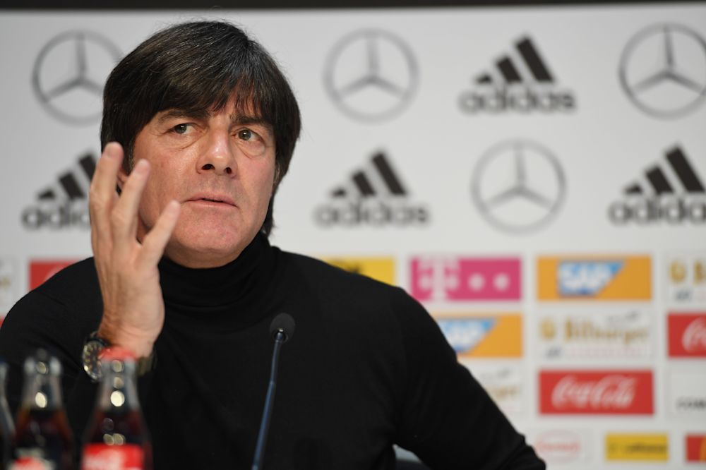 "Löw warnt Eintracht Frankfurt: ""... dann wird's eng"""