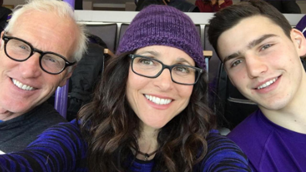 Julia louis dreyfus cheers on son charlie hall at northwestern basketball game