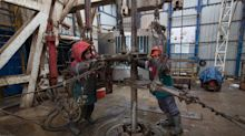 Oil Rises After Stock Draw, Pipe Outage Temper Economic Fears
