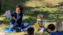 """Francesca, la maestra ribelle che leggeva i libri nel bosco: """"Cambio scuola e riparto"""""""