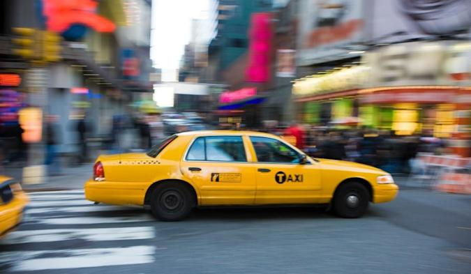 Nissan Leaf EVs to join NYC taxis, won't make hailing a cab in Manhattan any easier