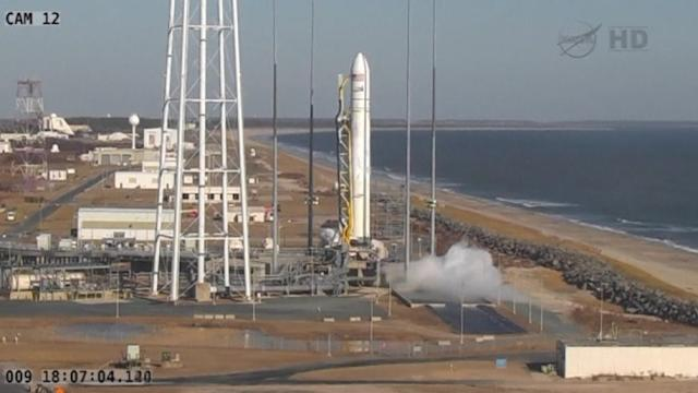 Cygnus cargo spacecraft launches from Virginia