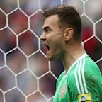 Confederations Cup: Mexico 2 Russia 1 - Akinfeev error sends hosts crashing out