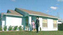 """La maison du film """"Edward aux mains d'argent"""" achetée par une famille de fans"""