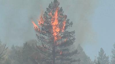 Wildfire drives thousands from Colorado Springs