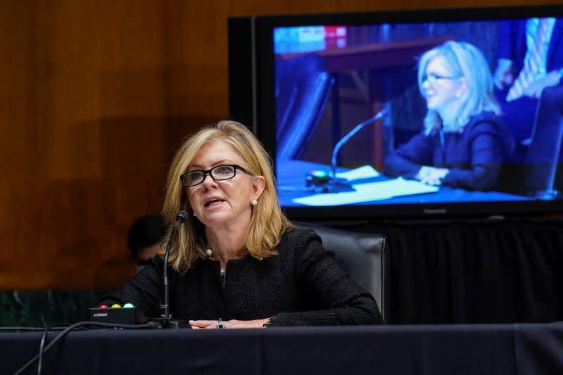 U.S. senator urges FTC to interview Facebook ex-officials