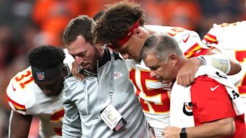 Mile High Rout: Chiefs lose Mahomes, beat Broncos