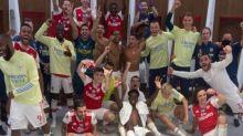 Arsenal-Star wird für seinen Stinkefinger gefeiert