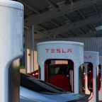CORRECTED-UPDATE 2-Burry of 'Big Short' fame reveals large bearish bet against Tesla