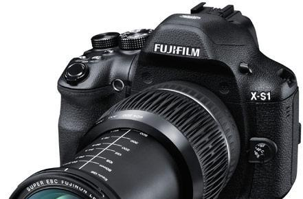 Fujifilm brings DSLR-like X-S1 camera to the US for $799