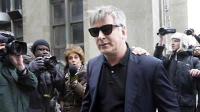 Raw: Alec Baldwin Arrives for Stalking Trial