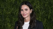 Scottish cab driver lets 'Friends' star Courteney Cox ride for free in exchange for selfie