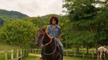 Lenny Kravitz mostra sua fazenda de luxo no Rio de Janeiro