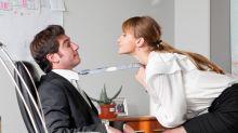 Flirtear con los compañeros de trabajo es bueno para tu relación
