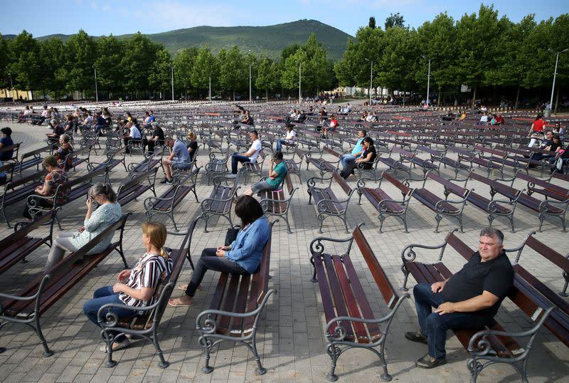 Bosnia's coronavirus deaths pass 1,000 as cases in Montenegro rise
