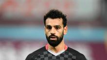 Mohamed Salah helps homeless man avoid abuse from group of men before giving him £100