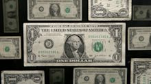 Currency experts can't figure out what's going on with the dollar