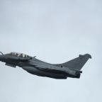 Quiet please: French jet's sonic boom shakes Paris, disrupts tennis